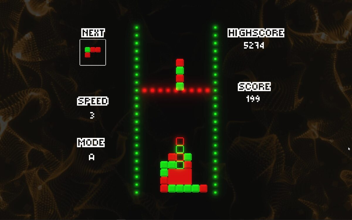 Pieces in green and red color forming blocks. The next piece can be seen on the top left, the current speed, mode and both highscore and current score.